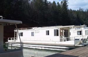 Best Marina to Rent a Houseboat on Shasta Lake