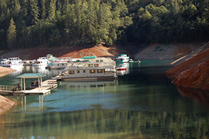 shasta lake boat marina holiday harbor