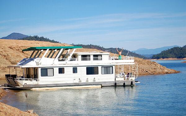 houseboats dot shasta lake